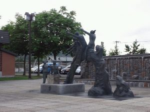 リゾバの思い出の銅像